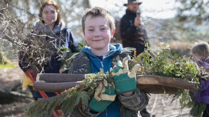 Bushcraft (Eleanor Bentall rspb-images.com)