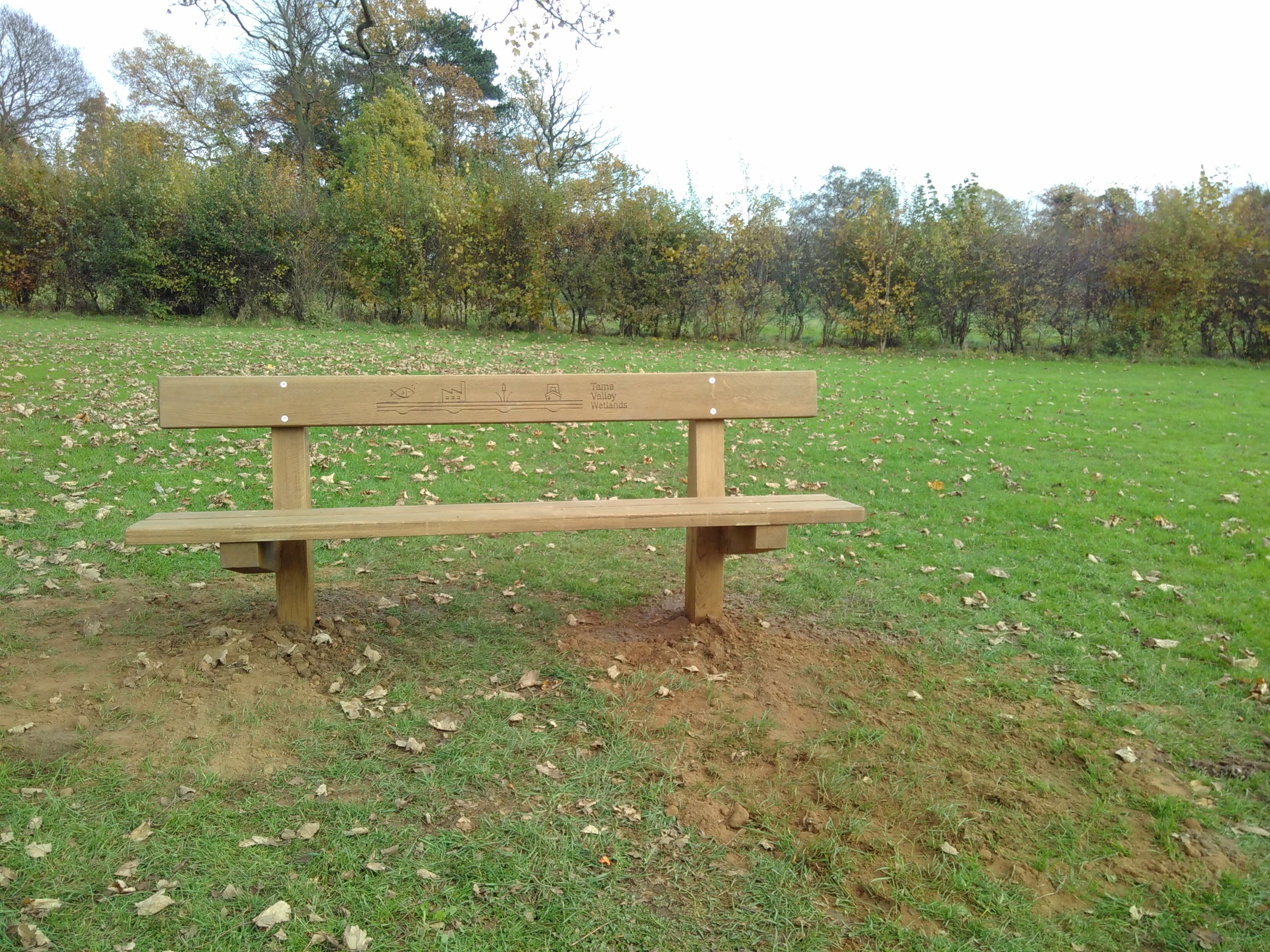 Bench installed by Tameforce volunteers in Dosthill Park local nature reserve, © Tame Valley Wetlands, Warwickshire Wildlife Trust 2017